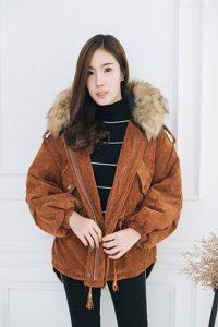 เสื้อแจ็คเก็ต ผ้าลูกฟูกเนื้อดีเบา มีฮู้ดแต่งขนเฟอร์